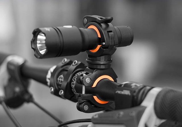360 градусов вращающийся велосипедный фонарь двойной держатель светодиодный фара лампы насос Руль держатель Аксессуары для велосипеда 4 цвета