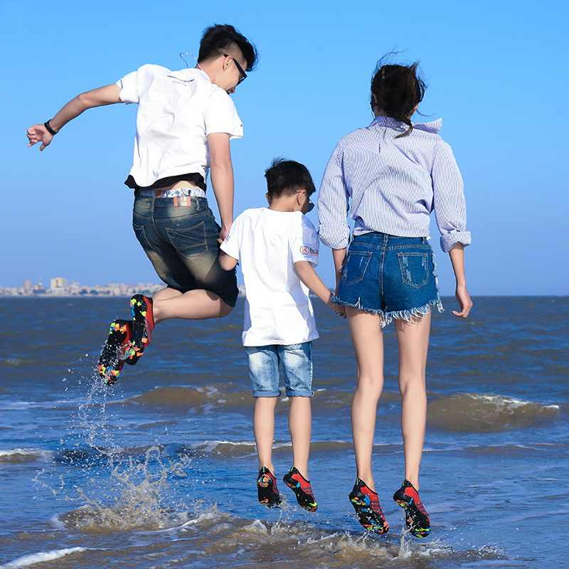 Piscina di Acqua Aqua Scarpe Da Uomo Della Spiaggia Delle Donne di Campeggio Scarpe Per Adulti Unisex Aqua Piatto Molli Walking Amante yoga Scarpe Non- antiscivolo scarpe da ginnastica