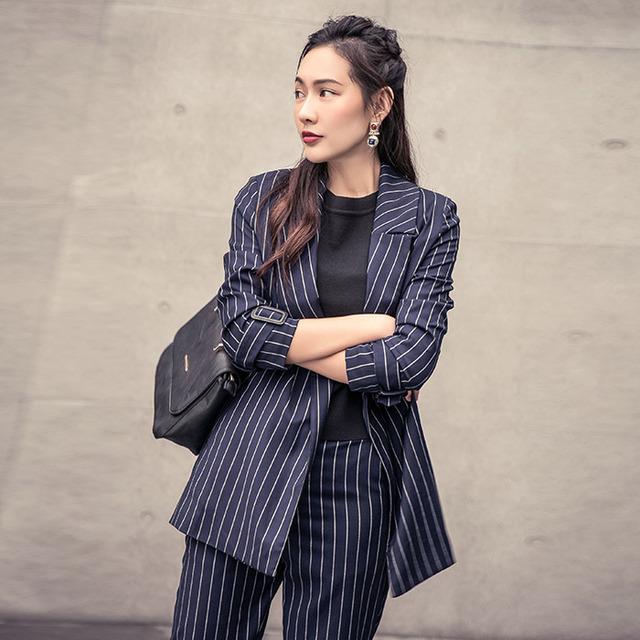 INU037 Nova Chegada do Outono 2016 mulheres clássico casual longo blazer listrado azul marinho