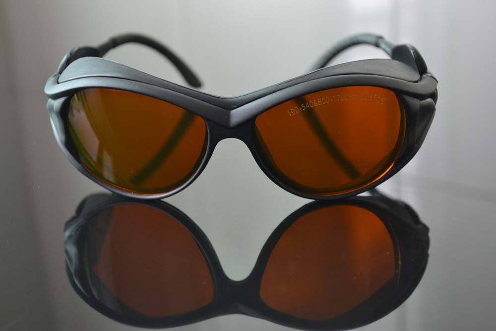 ФОТО laser safety glasses O.D 5+ for 190-540nm and 800-1700nm  266,  488-514.5 441 .6 532  808, 810 1064 904 980, 1510  1530,1610