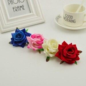 Image 3 - 100 stücke seide rosen kopf DIY hand kränze hut blume rot rosa weiß blau künstliche blume billig für home hochzeit dekoration
