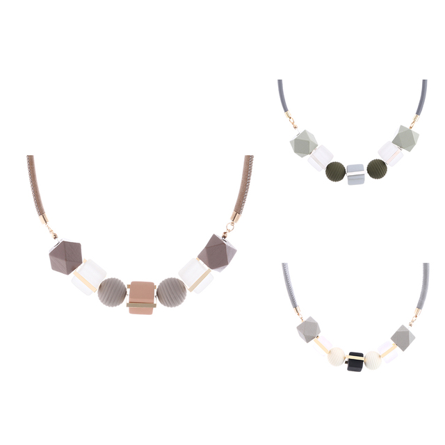 Trendy Geometric Necklace with Wooden Beads