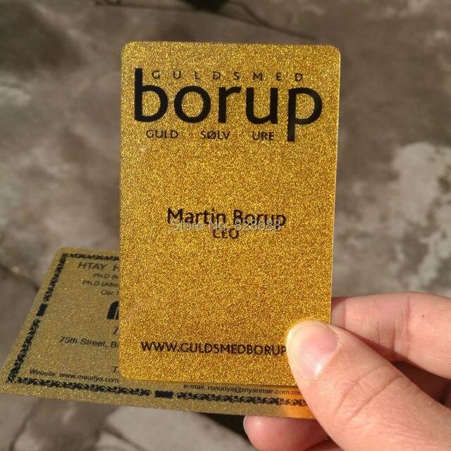 Высокого класса глянцевый металлик Золотой Пластиковые визитная карточка Пользовательские печати 100 карт в дизайн