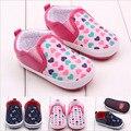 2015 de la alta calidad zapatos de bebé primeros caminante de corazón encantador cuna del recién nacido duro suela bebés Girs Bebe Sapatos