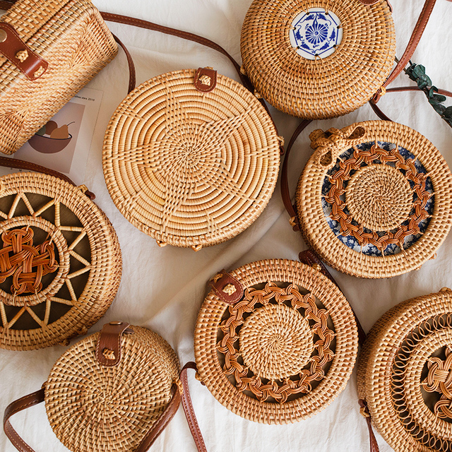 Woven Rattan Bag Round Straw Shoulder Bag Small Beach HandBags Women Summer Hollow Handmade Messenger Crossbody Bags 1