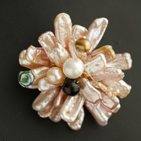 2019 Original Design Baroque Natural Pearl Brooch Women fashion Jewelry Cute Flower Brooches Trendy Romantic Luxurious Gift
