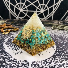 Orgonit Piramidi Anahata Çakra Sandalphon Yaşam Potansiyel Doğal Turkuaz Reçine Piramit El Sanatları Dekorasyon C0173