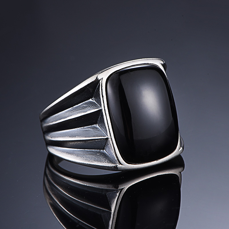 inlaid natural black agate rings male personality gem man ring domineering restoring ancient ways ring han editioninlaid natural black agate rings male personality gem man ring domineering restoring ancient ways ring han edition