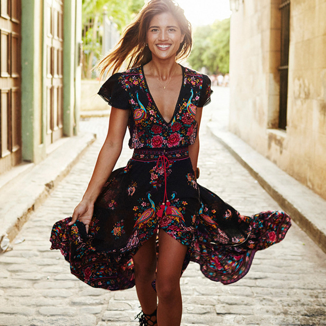 f7d11a9a2 Borla de verano Boho vestido Vintage vestido de las mujeres 2019 Etehnic  cuello en V Sexy