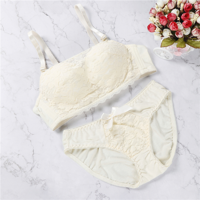 aca7feae30 2018 New Arrival Women Lingerie Set Lolita Sexy Cute Kawaii Wireless Soft  Bustier Bra Panties Set 100% Real Photos
