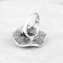Women's Retro Style Silver Ring with Large Flower Shaped Decoration