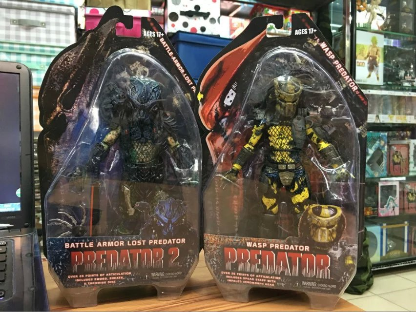 NECA Predators 2 Battle Armor Lost Predator Wasp Predator PVC Action Figure Collectible Model Toy 7 18cm KT2216 neca batman begins bruce wayne joint movable pvc action figure collectible model toy 7 18cm