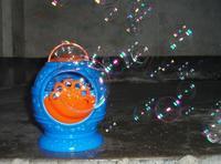 Electronic automatic bubble machine, blue plastic bubble blowing soap bubbles baby toys