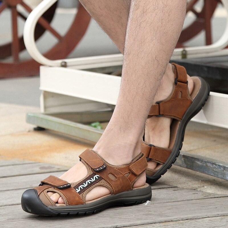Hochwertige Mode Sommer Sandalen Männer Schuhe Casual Comforthable Strand Alias Hombre Outdoor Baotou Kopf Schuhe Männer Sandalen
