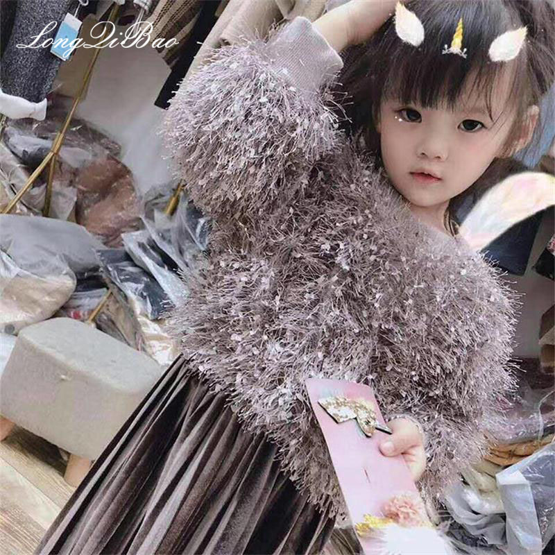 купить Baby girl suit 2018 autumn and winter new wool sweater pleated skirt two-piece children plus velvet thick long sleeve suit tide по цене 1990.97 рублей