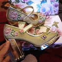 С цветочной вышивкой туфли лодочки Mesh Роскошная обувь для свадебной вечеринки круглый носок подиумная обувь на квадратном каблуке женщина