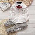 Líder del oso Del Bebé Ropa Para Niños Ropa de Otoño Del Bebé Establece Niños Deportes de la Manga larga Pajarita T-shirts + Pants Ropa de Los Muchachos