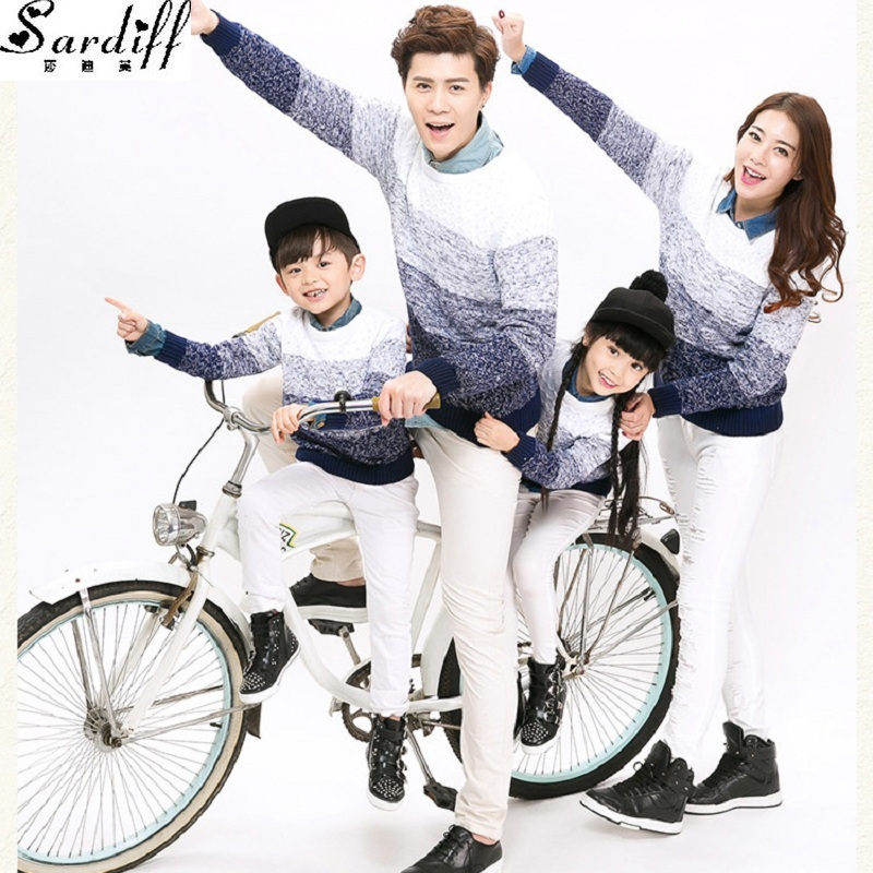 Sardiff 2017 Family Matching Gradient Color Sweater Long Sleeve Sweatershirt Father Mother Daughter Son Sweatersuits Knitwear купить