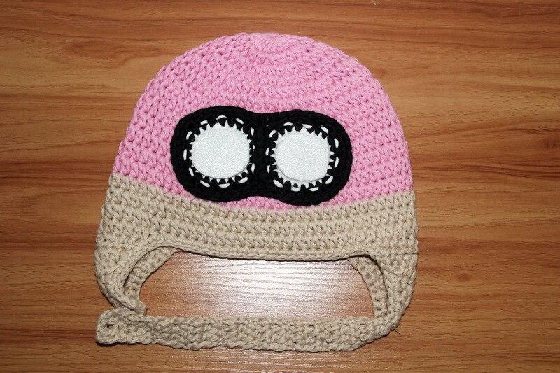 Frete grátis, 100% algodão Handmade crochet meninas chapéu Piloto, rosa  avião bombardeiro chapéu com óculos de aviador chapéu das crianças tampas  em Toucas ... 62a4387aa8