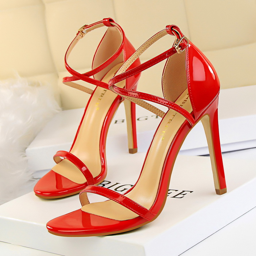 Summer high heels open toe sandals women fashion cross strappy sexy stiletto party ladies shoes big size zapatos mujer sandalias 2017 summer women sexy gold chains strappy open toe stiletto heel nightclub party high heel sandals dress shoes ladies