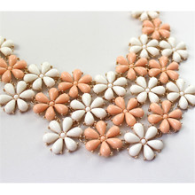 Free shipping accessories wholesale  Europe America Exaggerated beautiful fresh flower necklace necklace restoring ancient ways