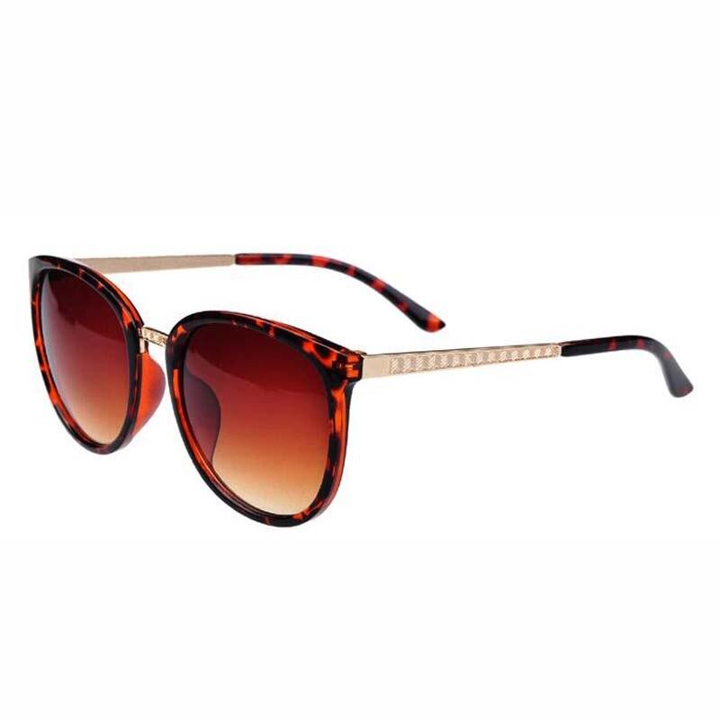 e766b8e71 أزياء الصيف نظارات التدرج uv400 السوداء ، الإناث النظارات الشمسية العلامة  التجارية مصمم النظارات