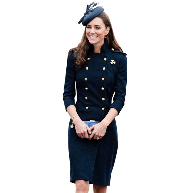ce155e9ee9f Kate middleton automne hiver robe bleu marine robe de laine col montant or  double boutonnage boutons
