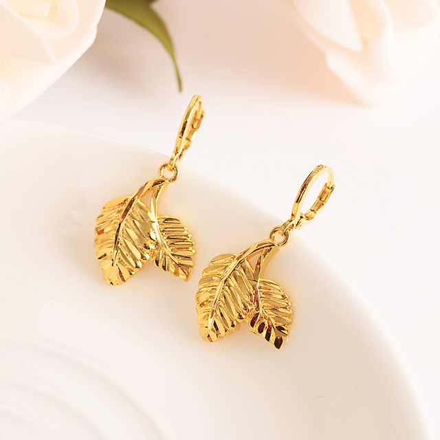 Africa Women Party Gift Cannabiss Weed Marijuan Leaf charms women Vintage Accessory for Women / Girls  kids  party jewelry gift