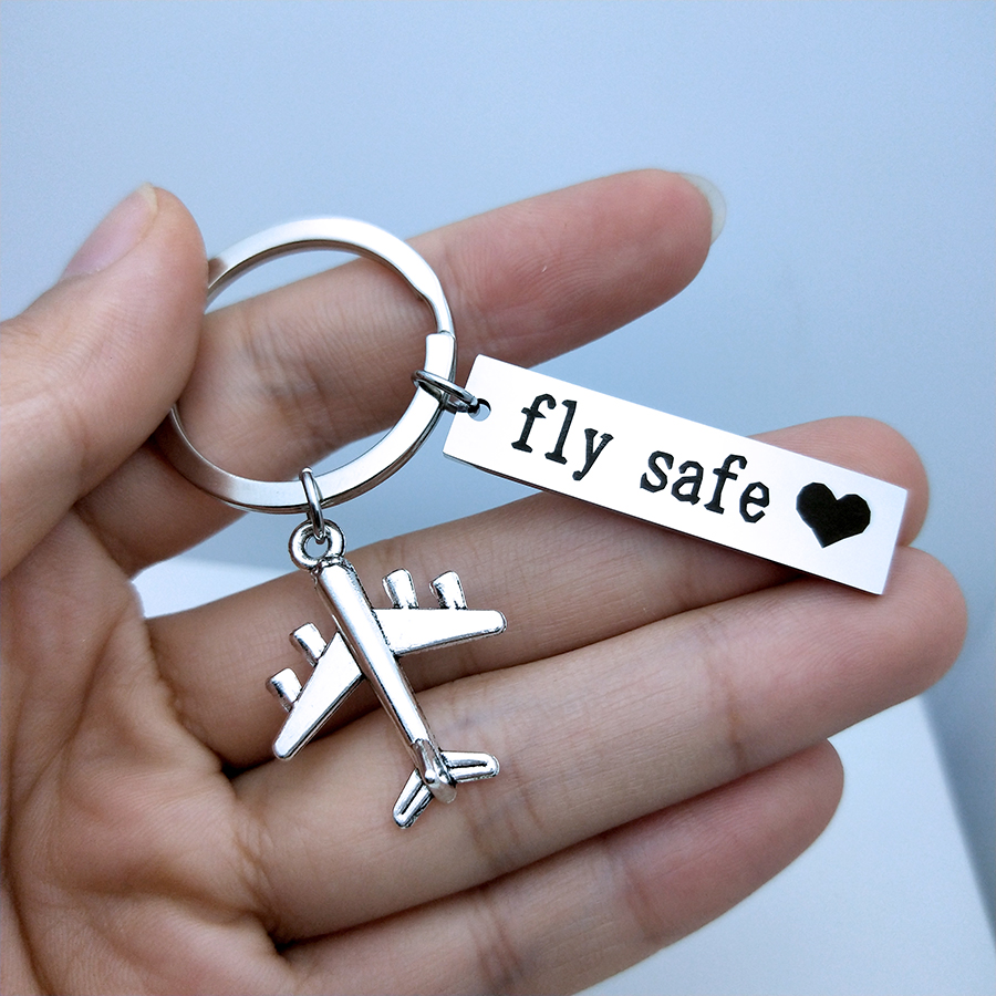 Engraved Fly Safe Kiss Me Before Flight Airplane Key Fob Drive Safe Keychain For Couples Men Pilot Flight Attendant Gift Keyring