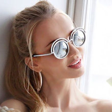 Sunglasses Medieval Luxury Concept Women Pearl Rhinestone Metal Frame UV400 Mirror Sun Glasses Beach Female Round Retro 50S
