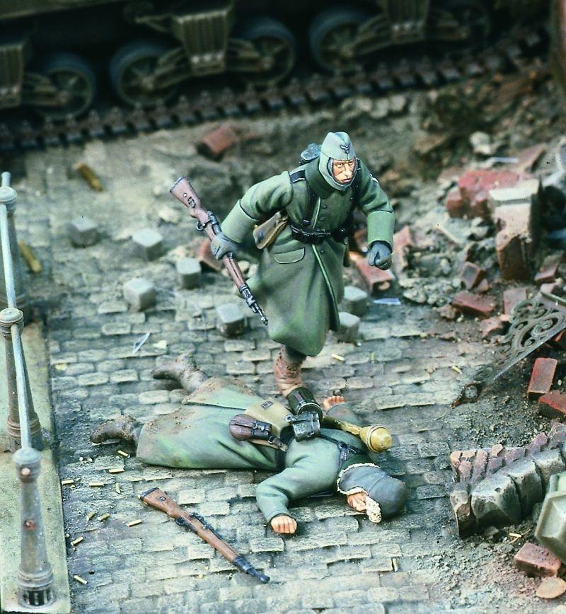 1:35    German Running For Cover, World War II