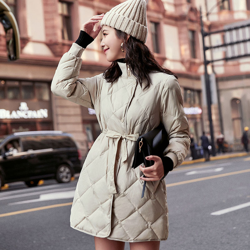 Sanishroly Autumn Winter Women Midi Long Outerwear Ultra Light White Duck   Down     Coat   Parka Female Belt Stand Collar Jacket SE655
