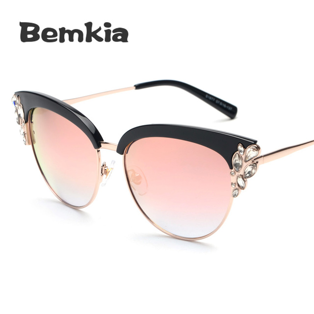 Fashion Sexy Women Cat eye Sunglasses Female Luxury Rhinestone Decoration Sun Glasses Oculos De Sol Feminino