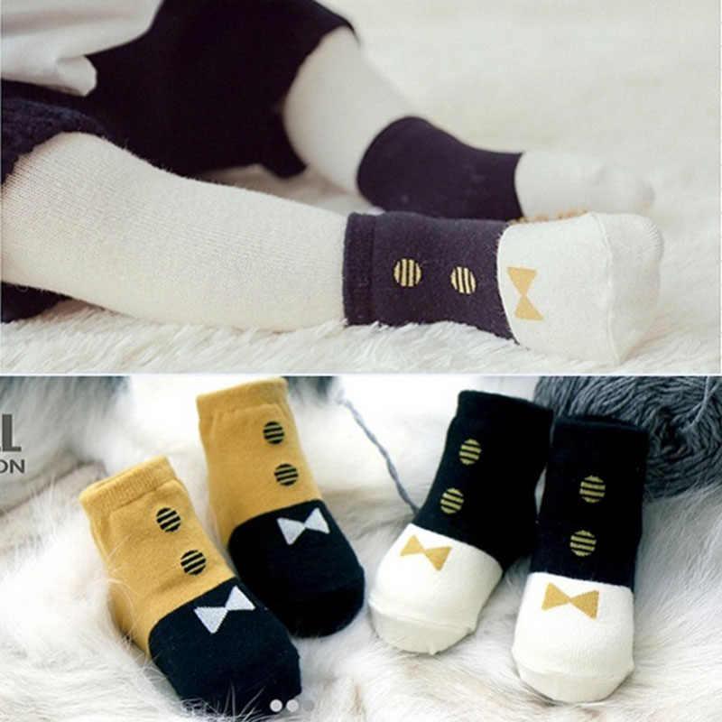 חמוד אביב סתיו תינוק גרבי יילוד כותנה תינוק בני בנות חמוד פעוט אסימטריה אנטי להחליק גרביים לתינוקות חורף