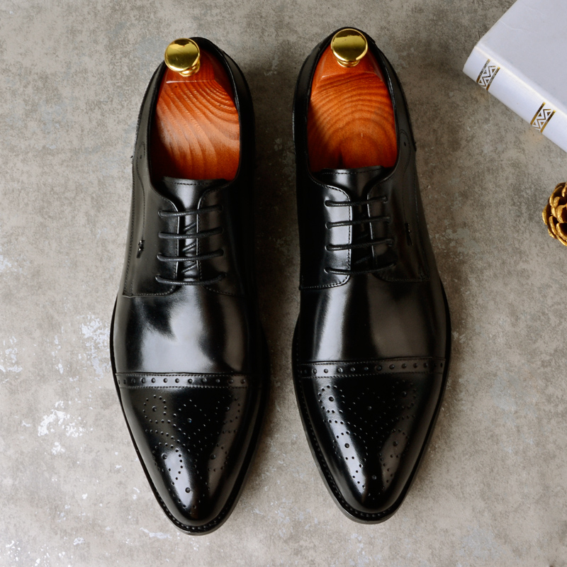 2018 New High Quality Genuine Leather Men Brogues Shoes Lace-Up Pointed Toe Business Dress Men Shoes Wedding Male Formal Shoes pointed toe fashion winter men formal shoes genuine leather cow lace up dress shoes wedding shoes male business work shoes
