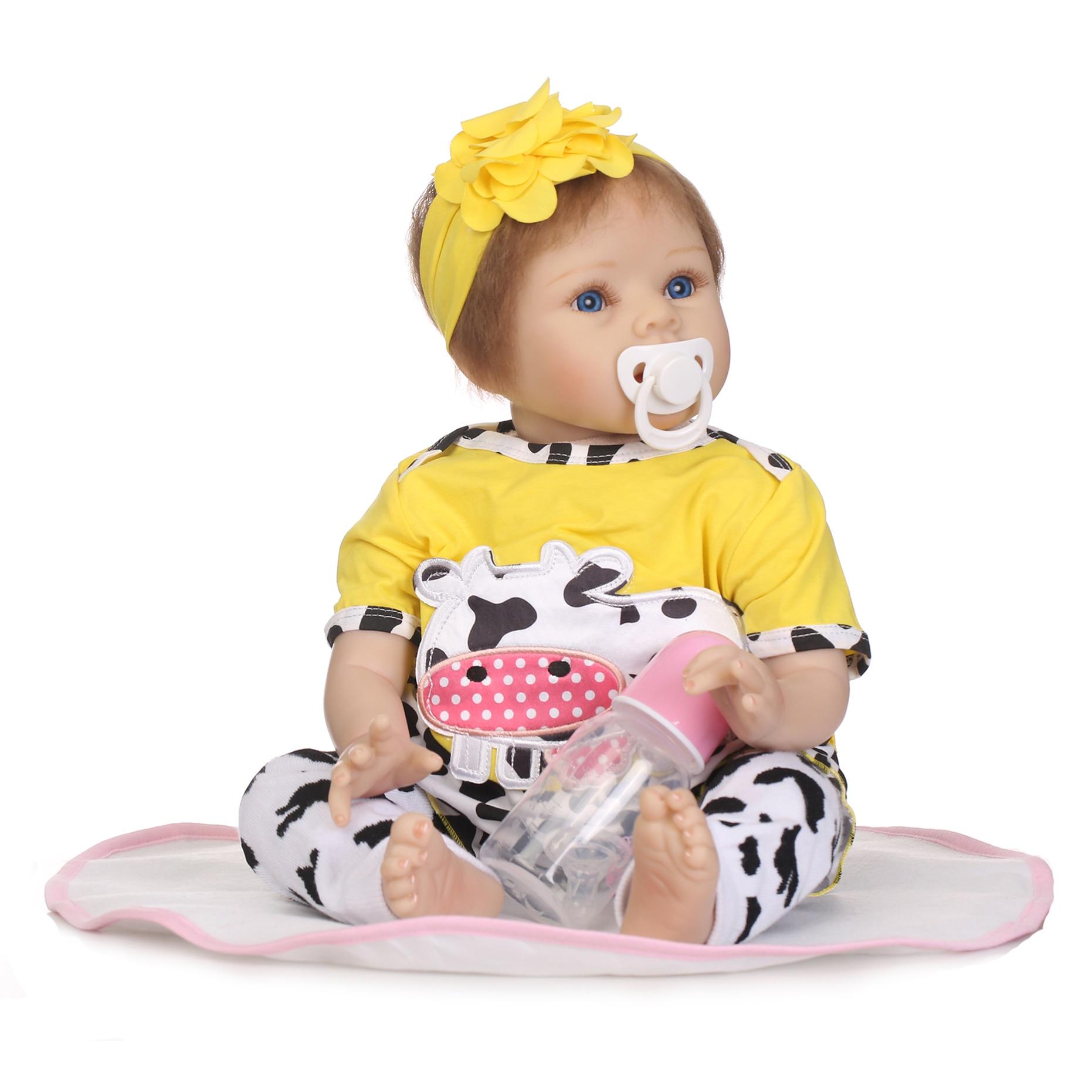 купить 22inch Soft Reborn Baby Doll Alive Lifelike Silicone Vinyl Newborn Bebe Reborn Doll Kids Birthday New Year Gifts Play Toys по цене 5360.92 рублей