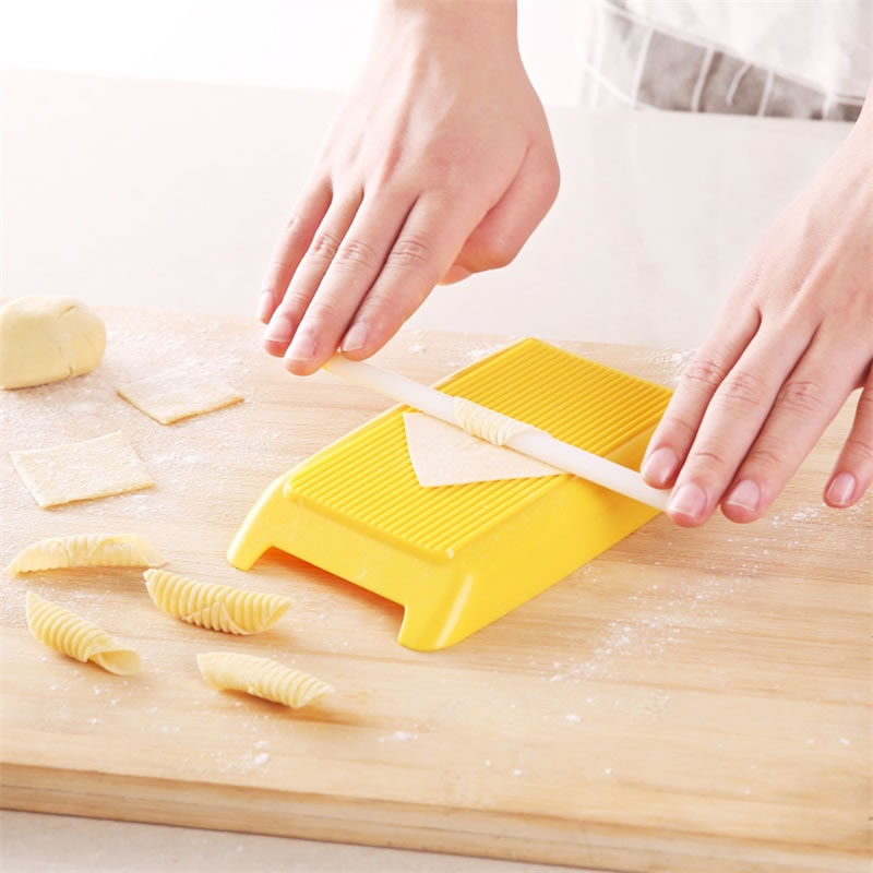 Plastic Pasta Macaroni Board Spaghetti Macaroni Pasta Gnocchi Maker Rolling Pin Baby Food Supplement Molds Stamps Kitchen Tool image