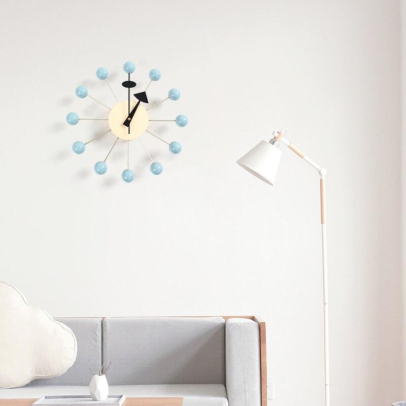 111New décor horloge murale montre calme horloges murales aiguille à Quartz populaire mode en bois boule horloge décor salon et chambre d'enfant