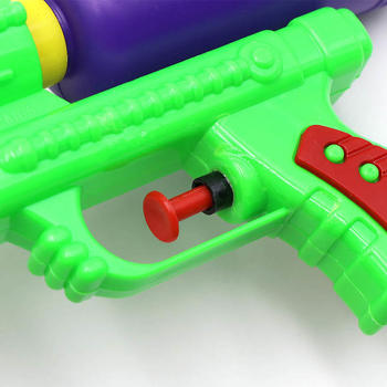 Wecute Water Guns Toys Classic Baby Toys Outdoor Beach Water Pistol Blaster Gun Portable Squirt Gun Kids Beach Toys Random Color 1