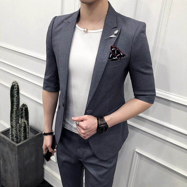 Korean version of the 2018 new men's simple middle-sleeved suit two-piece men's Slim was thin five-point sleeve a button suit