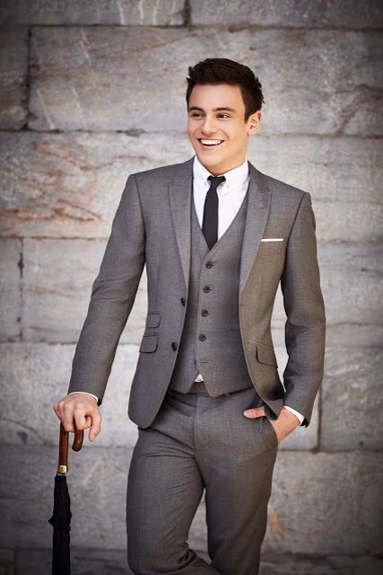 New arrival Tailored Two button grey Groom Tuxedos dress bestman ...