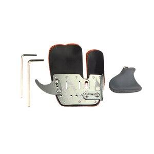 Image 2 - Protector de dedo de Tiro con Arco cuero de la mano derecho Protector de dedo de aleación de aluminio Camping al aire libre caza tiro arco accesorios de cuerda