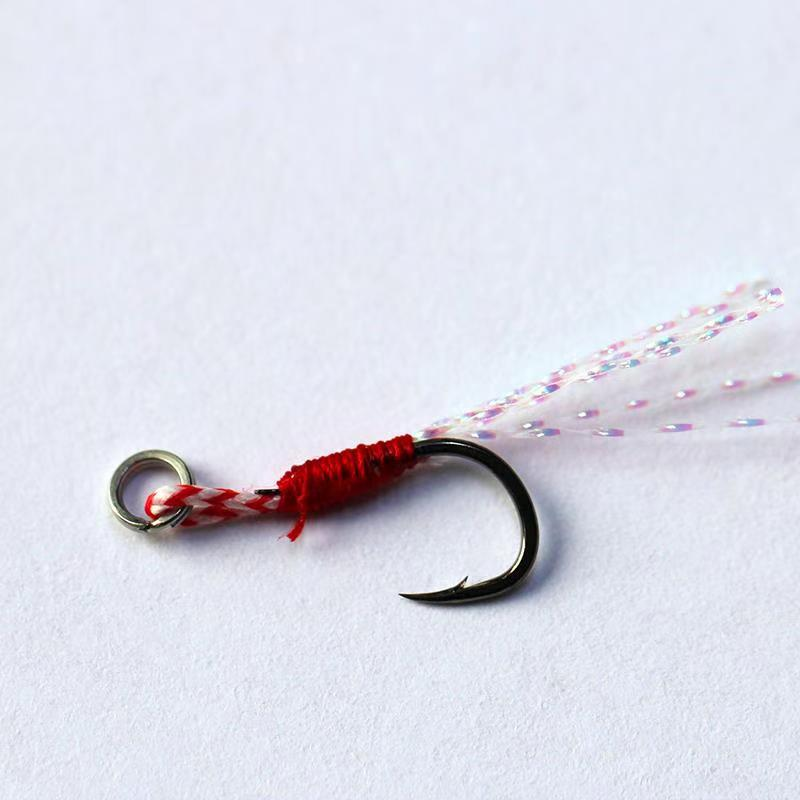 New Fishing Gear Fishing Hook Red Feather Pendant Barbed Treble Fishing Hooks DT