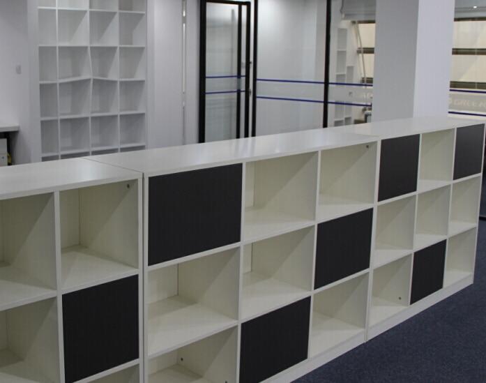 Armadi per ufficio ikea latest mobili per garage ikea for Scaffali per ufficio ikea