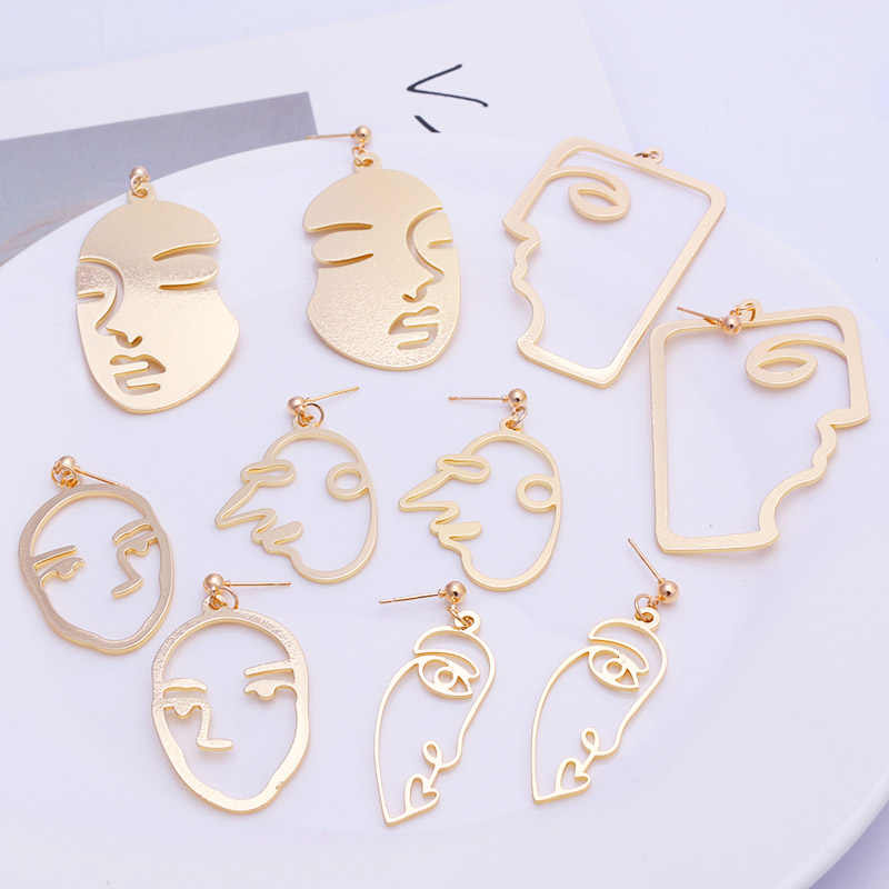 2019 New Arrival Abstract Stylish Hollow Out Face Dangle Earrings Girls Statement Drop Earrings Charm Statement Earrings ES420