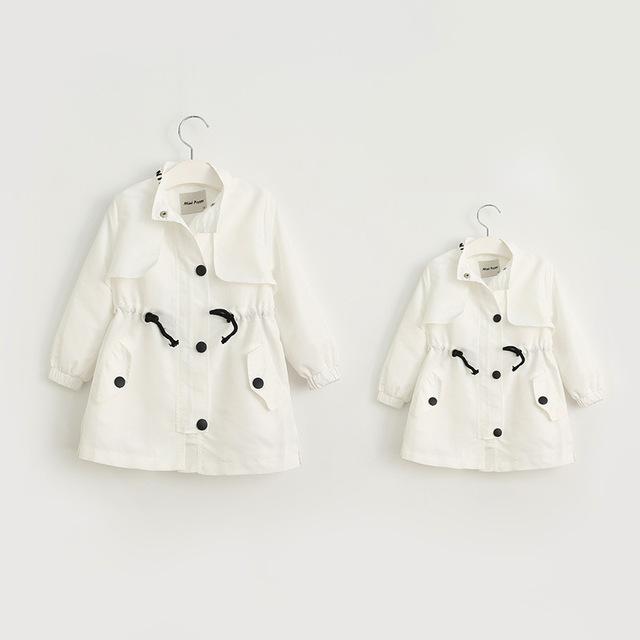Otoño trinchera de Los Padres del bebé amor letras impresas niñas chaqueta de la capa larga