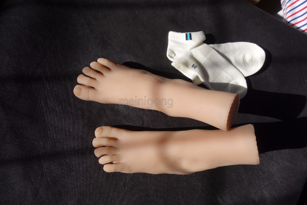 8 years Little girl small foot model realistic mannequin display silicone model of establish fetish foot silicone foot sex doll in Sex Dolls from Beauty Health