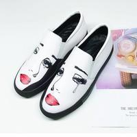 Обувь женщина 2018 осень Туфли без каблуков Для женщин граффити sapato feminino слипоны кожа Дамская обувь Лоферы женская обувь Zapatos De Mujer