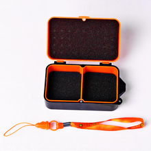 1PCS 2 Compartments Fishing Box 10 * 6 * 3.5cm Plastic Earthworm Worm Bait Lure Fly Carp Fishing Tackle Breathable Holes