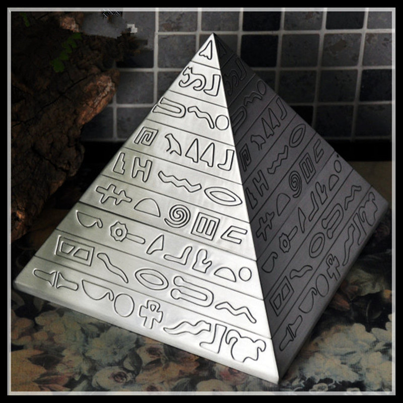 Big size Pyramid Ashtray Retro Metal Ashtray With Lids Cigarette Ashtray for Home Ancient Egypt Products